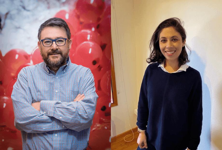Pedro Figueroa, gerente de Producción fase Agua Dulce en Mowi Chile, y Claudia Manosalva, jefa de Reproducción y Genética en la empresa. Foto: Cedida.