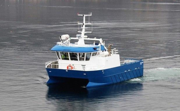 Steinsvik med ny båt fra Moen