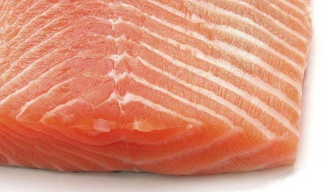 Valor del salmón noruego disminuyó 12,71% en un mes