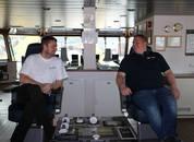 <p>Kaptein Rune Christiansen og overstyrmann Bardar Jacobsen på plass på broen.</p>