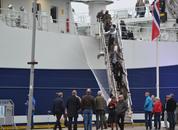 <p>Det var mange hundre oppmøtte som ville komme inn å se Norwegian Gannet.</p>