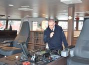 <p>Fra styrhuset har kaptein Knut Arne Bjørgegod oversikt over båten, og sierden er godt utrustet med alt han måtte kunne trenge av instrumenter på bro.</p>