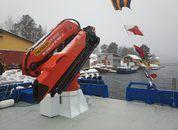<p>Fartøyet erutstyrt medPalfinger krane fra Bergen Hydraulicsmed en løftekapasitet på fem tonn.</p>