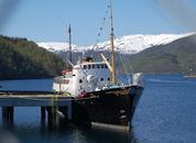 <p>Noen av gjenstene dro videre til Kjerringøy med dette fartøyet. Foto: Harrieth Lundberg</p>