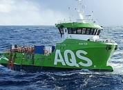 <p>«AQS Tor» har fått noen synlige skader etter at den falt av lasteskipet. Foto: Stadt Sløvåg</p>