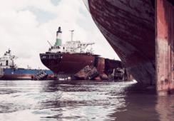 - Vi mangler et regelverk for hugging av skip
