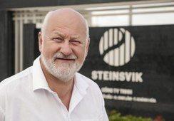 Kverva kjøper 50 prosent av aksjene i Steinsvik Group