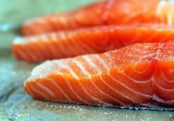 Precio del salmón noruego sube más de 8% en una semana