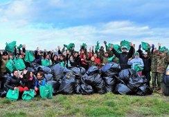 Nova Austral apoya limpieza de playas en Porvenir