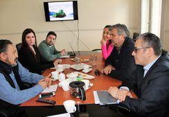 Director de ProChile se reunió con salmonicultores de Magallanes