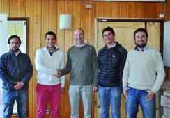 Salmonexpert firma alianza con Fundación Chile