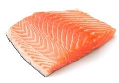 Bajó el precio del salmón noruego fresco