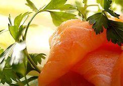 El imparable ascenso del salmón ahumado de cultivo en Europa