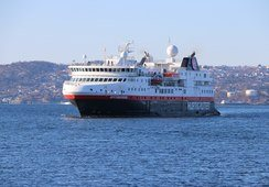 Hurtigruten dropper NIS-flagget på «Spitsbergen»