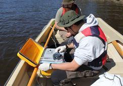 Ny analysemetode kan påvise smitte i vannet før laksen blir syk
