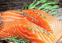 Noruega: leve baja en valor del salmón