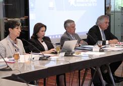 Debate por salmonicultura en reserva Cabo de Hornos llega al Senado