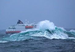 -Stad skipstunnel vil øke risikoen for passasjerene, hevder Hurtigruten