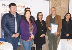Salmonicultora firma convenio con Bomberos de Porvenir