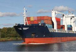 Hybrid er effektivt, også for containerskip