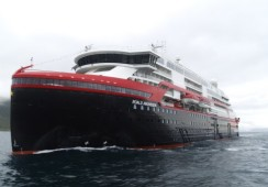 Australske leger og tannleger sitter fast på Hurtigruten