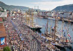 Duket for seilskutefest i Bergen. Se programmet her.