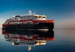 Første hybridskip gjennom Nordvestpassasjen