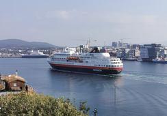 Hurtigruten stenges for turister