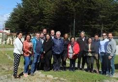 Salmonicultores de Magallanes entregan fondos para proyectos Kawésqar