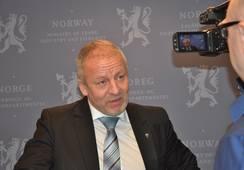 Senja kommune krever 120000 av fiskeriministeren