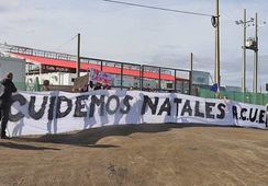 Protestan contra construcción de planta salmonicultora en Puerto Natales