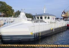AKVA construye su barcaza más resistente de alimentación para centro expuesto