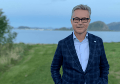 Norway fisheries minister wants more closed containment