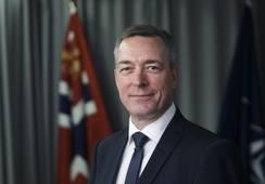 Forsvarsministeren må svare i Stortinget om fregattforliset