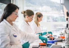 Fish Vet Group slår seg sammen med Pharmaq Analytiq