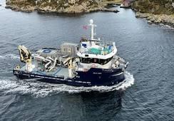 Oppgradert til en kombinert bløgge- og servicebåt