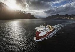 """""""Polar Onyx"""" levert fra Ulstein Verft"""