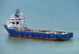 Sikrer tre forsyningsskip oppdrag i minst ett år
