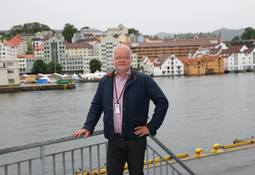 Redaktør tar posisjon også i Norske Skipsverft