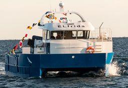 Verdens første elektriske arbeidsbåt overlevert til Salmar