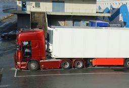 Ønsker strengere krav til laksetransport