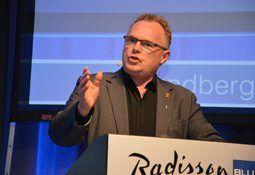 Sandberg inviterer til møte om laksedød