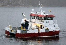 Overlevering av ny servicebåt fra Moen Marin