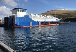 Bygget om frakteskip til fôrflåte