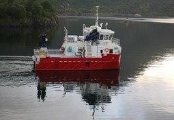 Servicekatamaran overlevert til Eidsfjord Sjøfarm
