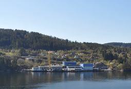Mundal båt bygger pumpeflåte for Lerøy Midt