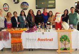 Nova Austral realizó muestra de artesanías hechas por sus colaboradoras y familiares