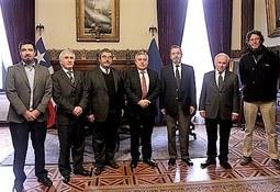 AquaChile y Universidad de Chile se comprometen a trabajar por el desarrollo de la ciencia