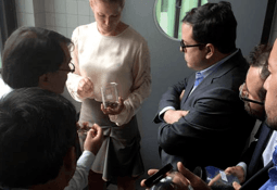 Autoridad alemana reconoce trabajo de Sernapesca en reducción de antibióticos