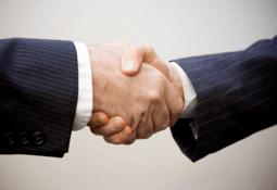 Nueva alianza entre salmonicultora y empresa genética